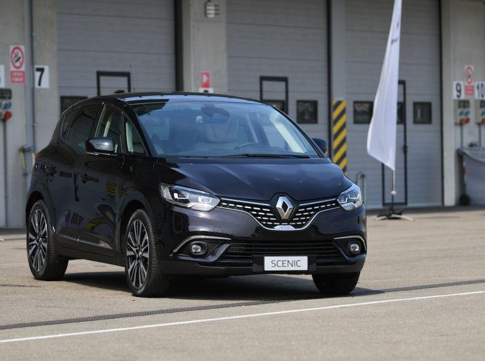 Renault Tecno 4All, in pista a Modena con la gamma 2018 - Foto 5 di 12