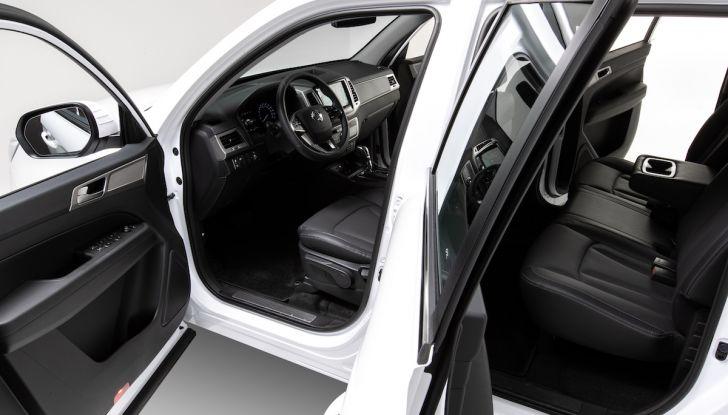 SsangYong Rexton Sports 2018: il pick-up pratico, solido e con 4WD - Foto 8 di 10