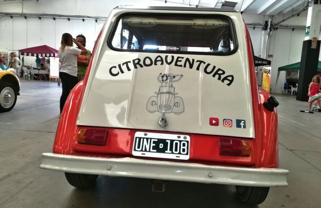 Citroën 2CV: tante feste per i suoi settant'anni - Foto 3 di 13
