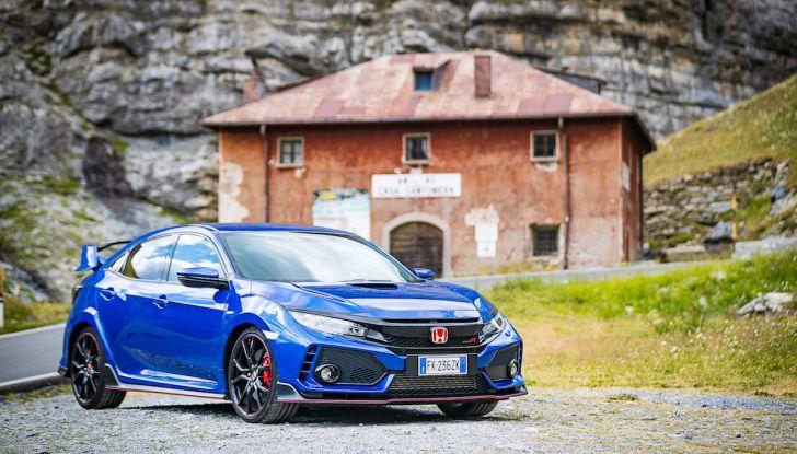 Prova Honda Civic Type R 2018: una vera sportiva senza rinunce nel quotidiano - Foto 1 di 32