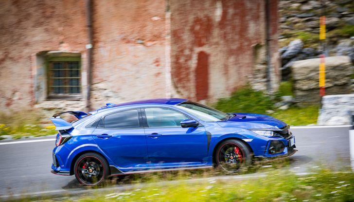 Prova Honda Civic Type R 2018: una vera sportiva senza rinunce nel quotidiano - Foto 12 di 32