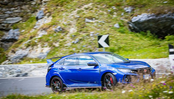 Prova Honda Civic Type R 2018: una vera sportiva senza rinunce nel quotidiano - Foto 13 di 32