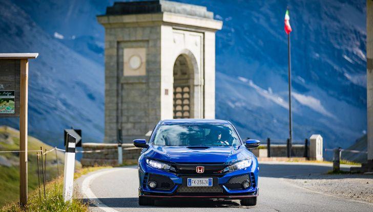 Prova Honda Civic Type R 2018: una vera sportiva senza rinunce nel quotidiano - Foto 17 di 32