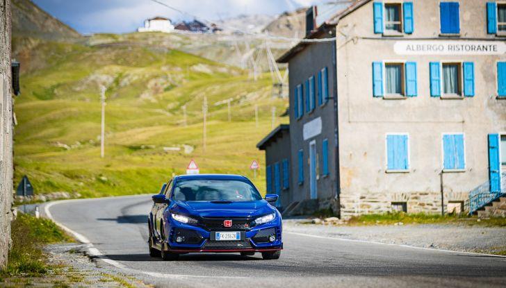 Prova Honda Civic Type R 2018: una vera sportiva senza rinunce nel quotidiano - Foto 19 di 32