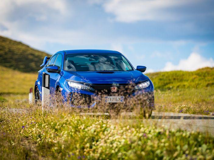 Prova Honda Civic Type R 2018: una vera sportiva senza rinunce nel quotidiano - Foto 20 di 32