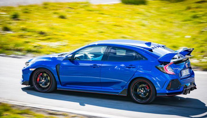 Prova Honda Civic Type R 2018: una vera sportiva senza rinunce nel quotidiano - Foto 22 di 32