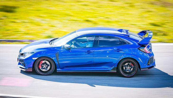 Prova Honda Civic Type R 2018: una vera sportiva senza rinunce nel quotidiano - Foto 24 di 32