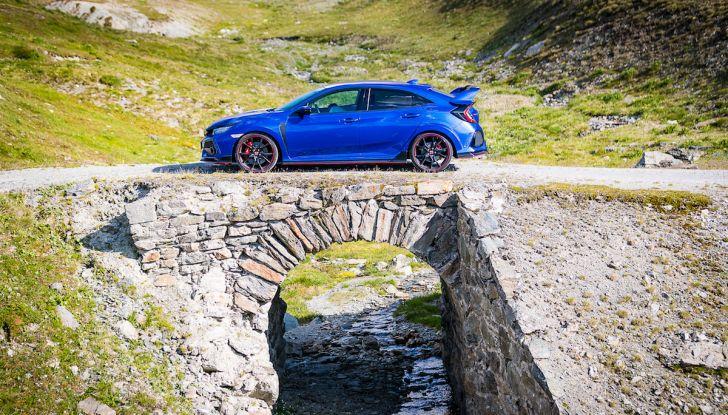 Prova Honda Civic Type R 2018: una vera sportiva senza rinunce nel quotidiano - Foto 28 di 32
