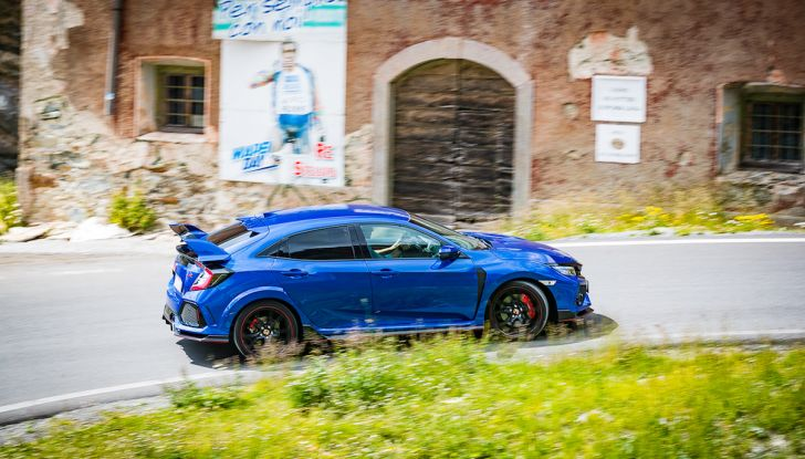 Prova Honda Civic Type R 2018: una vera sportiva senza rinunce nel quotidiano - Foto 3 di 32