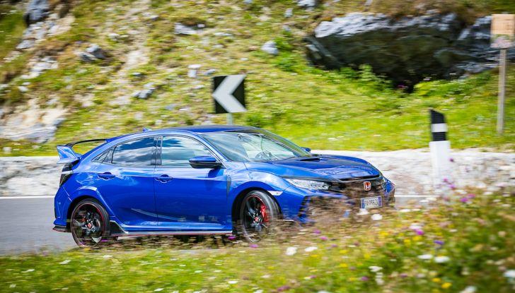 Prova Honda Civic Type R 2018: una vera sportiva senza rinunce nel quotidiano - Foto 5 di 32