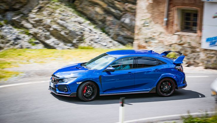 Prova Honda Civic Type R 2018: una vera sportiva senza rinunce nel quotidiano - Foto 7 di 32
