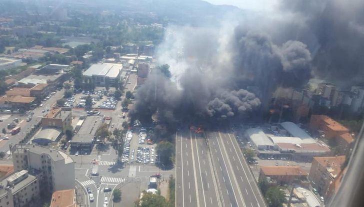 Incidenti, Esplosione Bologna Borgo Panigale: Il traffico e i percorsi alternativi della A14 - Foto 4 di 7