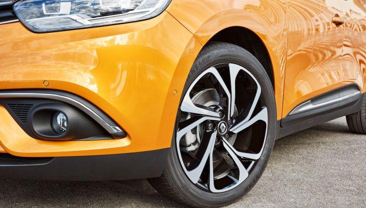 Prova nuova Renault Scenic: ora con il benzina TCe da 115, 140 e 160CV [VIDEO] - Foto 22 di 24
