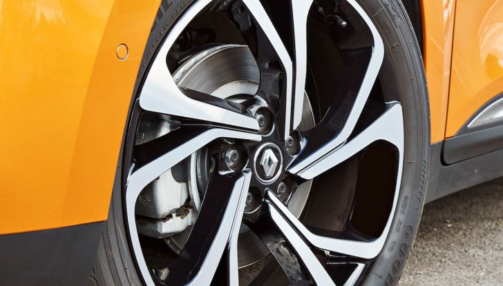Prova nuova Renault Scenic: ora con il benzina TCe da 115, 140 e 160CV [VIDEO] - Foto 23 di 24
