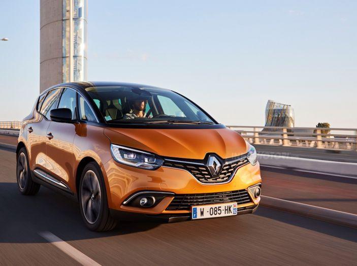 Prova nuova Renault Scenic: ora con il benzina TCe da 115, 140 e 160CV [VIDEO] - Foto 10 di 24