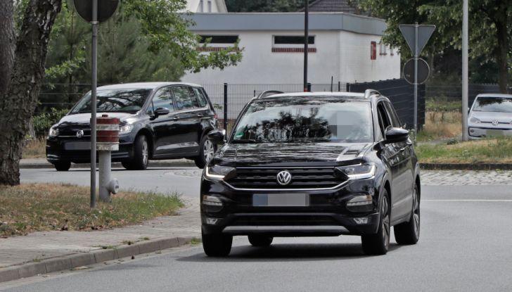 Volkswagen T-Cross First Edition: il City SUV compatto e funzionale - Foto 1 di 12