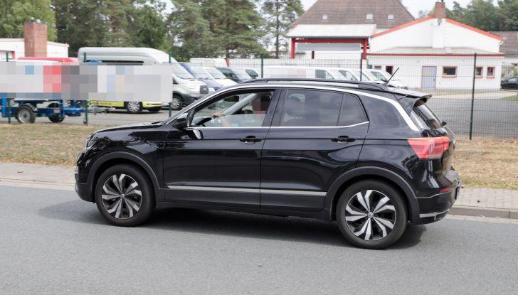 Volkswagen T-Cross First Edition: il City SUV compatto e funzionale - Foto 8 di 12