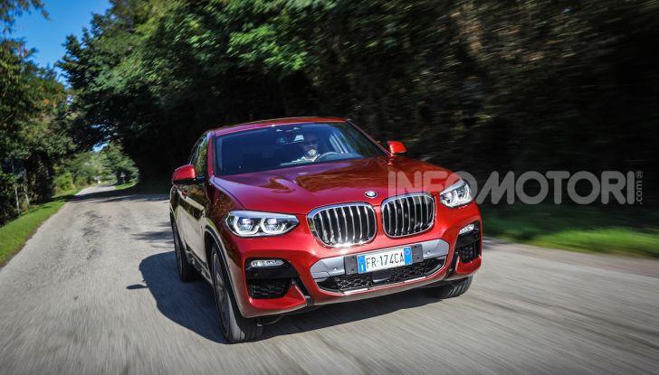 BMW X4 2018, prova in anteprima: SUV d'assalto con tecnologia e stile - Foto 12 di 21