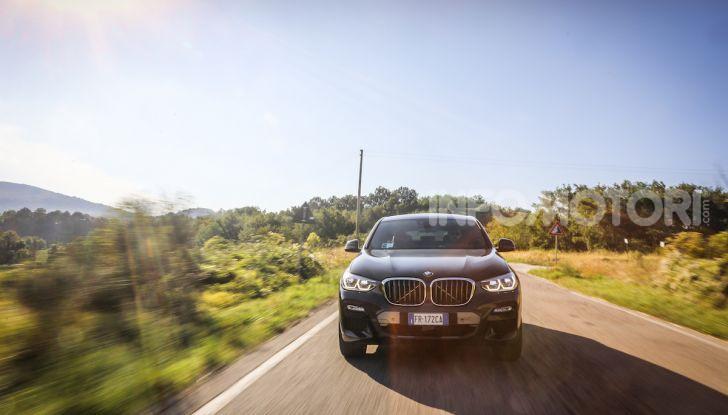 BMW X4 2018, prova in anteprima: SUV d'assalto con tecnologia e stile - Foto 14 di 21