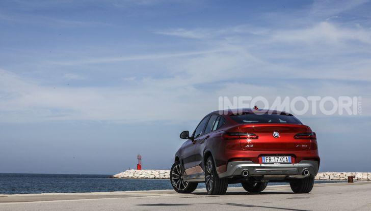 BMW X4 2018, prova in anteprima: SUV d'assalto con tecnologia e stile - Foto 6 di 21