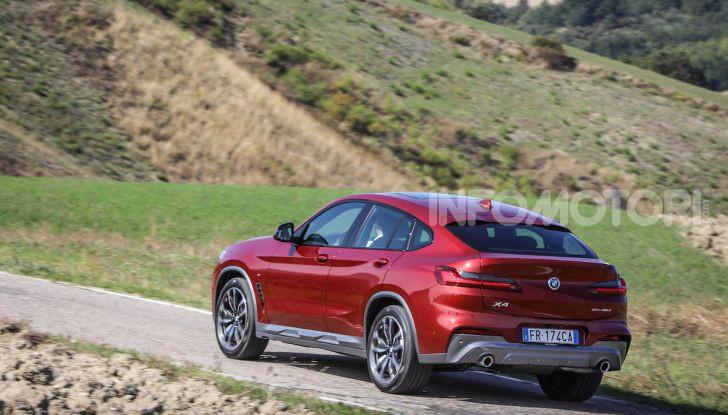 BMW X4 2018, prova in anteprima: SUV d'assalto con tecnologia e stile - Foto 3 di 21