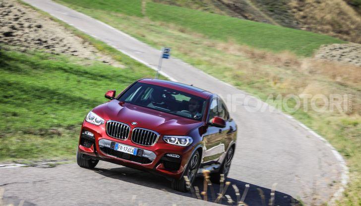 BMW X4 2018, prova in anteprima: SUV d'assalto con tecnologia e stile - Foto 1 di 21