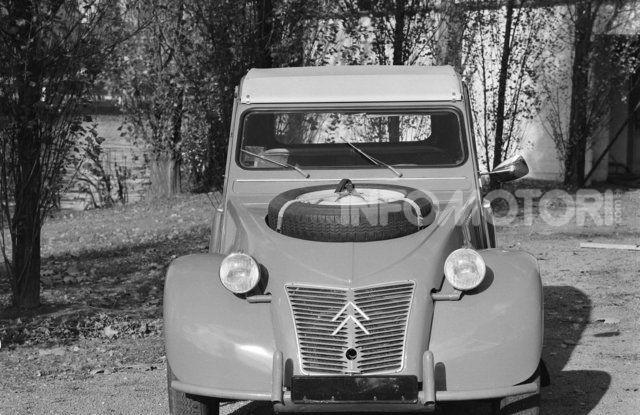 La Citroën 2CV versione 4×4 - Foto 3 di 17