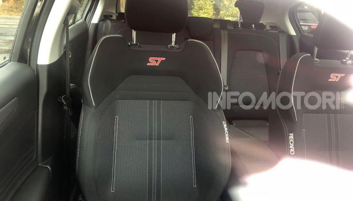 Ford Focus ST 2019, test su strada della versione definitiva - Foto 8 di 25
