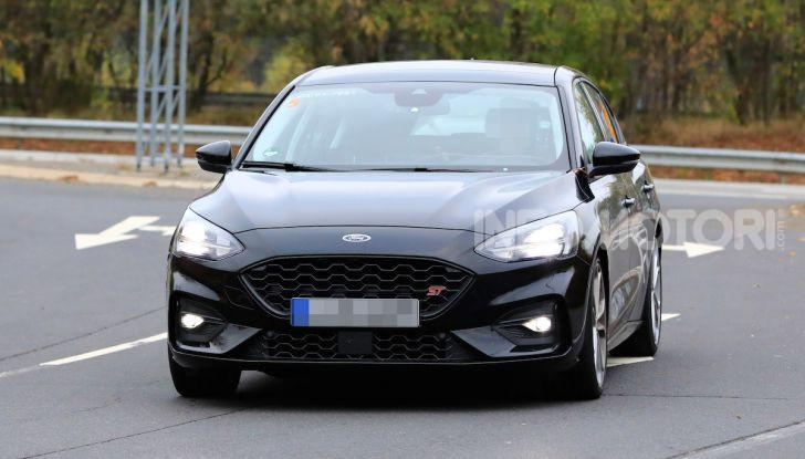 Ford Focus RS 2021: 400 cv ibridi - Foto 1 di 25