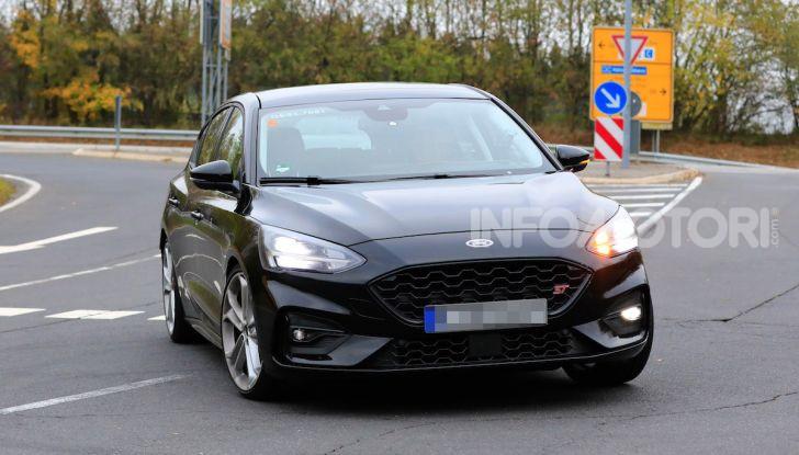 Ford Focus RS 2021: 400 cv ibridi - Foto 14 di 25