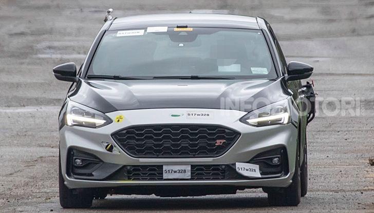 Ford Focus RS 2021: 400 cv ibridi - Foto 16 di 25