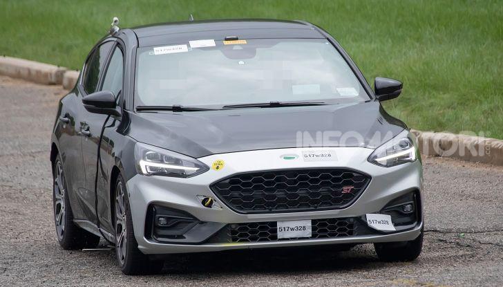Ford Focus RS 2021: 400 cv ibridi - Foto 18 di 25