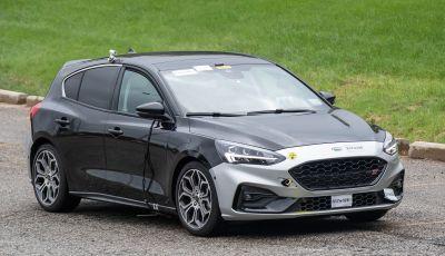 Ford Focus ST 2019, test su strada della versione definitiva