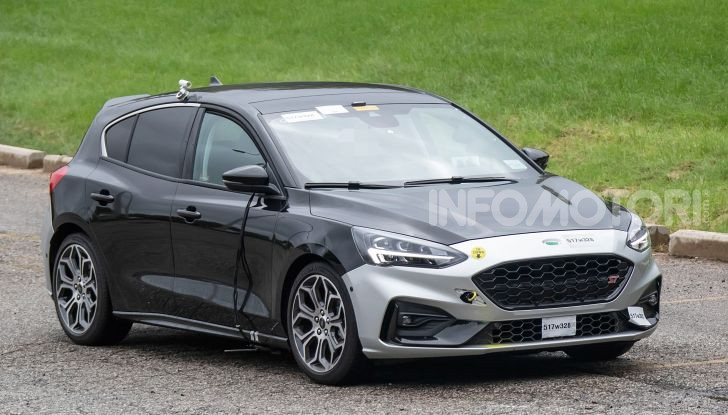Ford Focus ST 2019, test su strada della versione definitiva - Foto 23 di 25