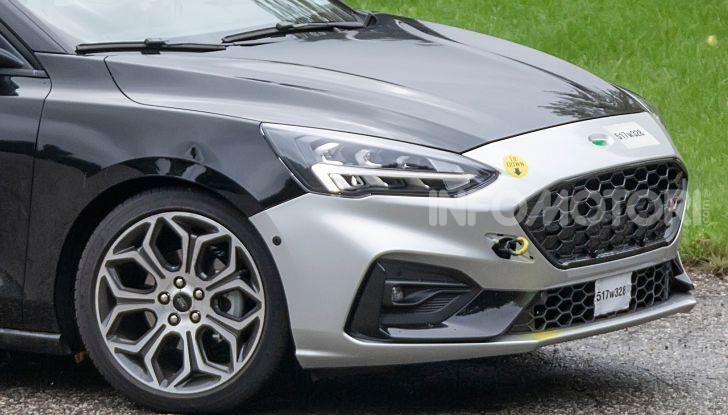 Ford Focus RS 2021: 400 cv ibridi - Foto 17 di 25