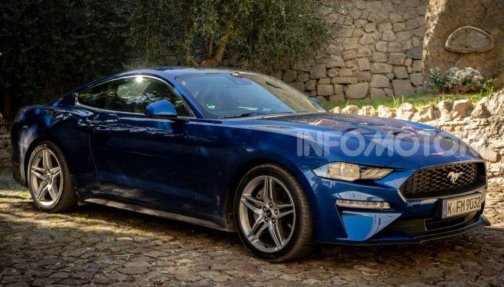 Nuova Ford Mustang GT 2018: La prova del V8 da 450CV - Foto 15 di 27