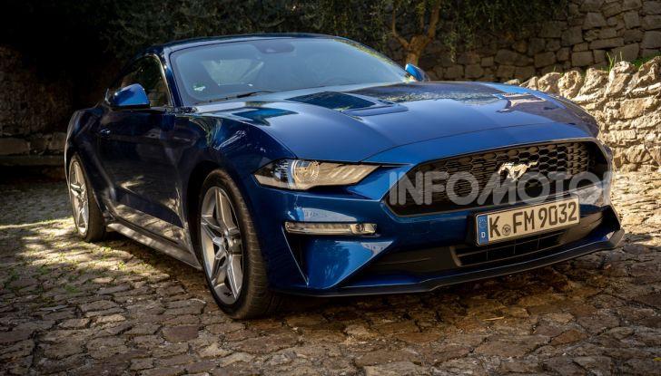 Nuova Ford Mustang GT 2018: La prova del V8 da 450CV - Foto 1 di 27