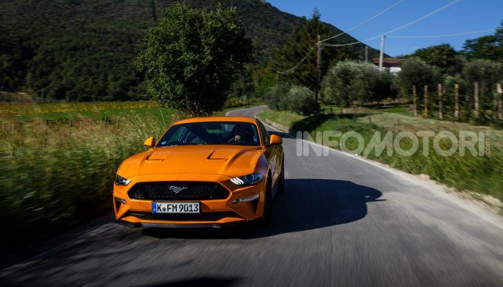Nuova Ford Mustang GT 2018: La prova del V8 da 450CV - Foto 21 di 27