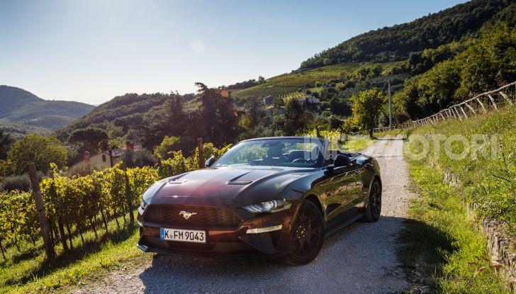 Nuova Ford Mustang GT 2018: La prova del V8 da 450CV - Foto 23 di 27