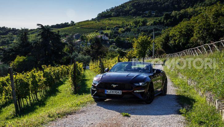 Nuova Ford Mustang GT 2018: La prova del V8 da 450CV - Foto 24 di 27