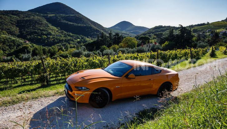 Nuova Ford Mustang GT 2018: La prova del V8 da 450CV - Foto 27 di 27