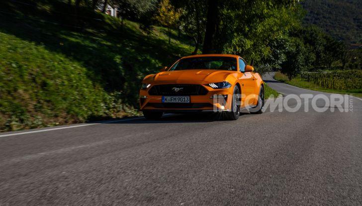 Nuova Ford Mustang GT 2018: La prova del V8 da 450CV - Foto 19 di 27