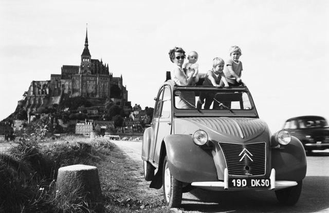 Le astuzie della Citroën 2CV: la capote - Foto 2 di 3