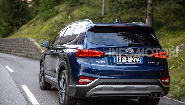 Prova nuova Hyundai Santa Fe 2018: il SUV con 4×4, 7 posti e 200CV - Foto 2 di 24