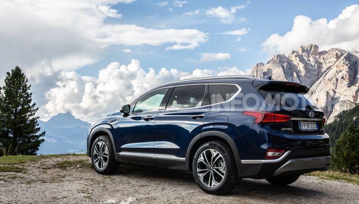 Prova nuova Hyundai Santa Fe 2018: il SUV con 4×4, 7 posti e 200CV - Foto 11 di 24