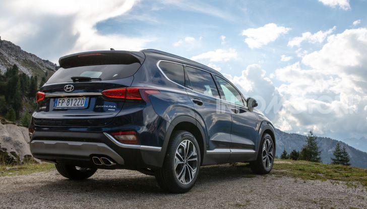 Prova nuova Hyundai Santa Fe 2018: il SUV con 4×4, 7 posti e 200CV - Foto 13 di 24