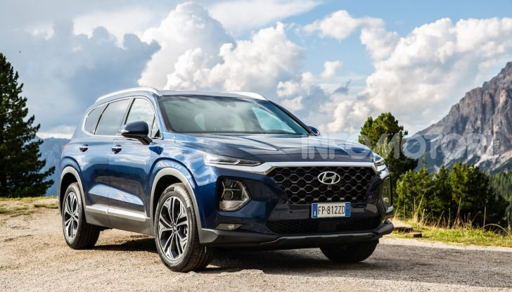 Prova nuova Hyundai Santa Fe 2018: il SUV con 4×4, 7 posti e 200CV - Foto 1 di 24