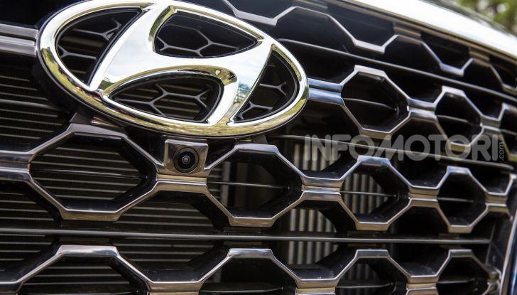 Prova nuova Hyundai Santa Fe 2018: il SUV con 4×4, 7 posti e 200CV - Foto 12 di 24