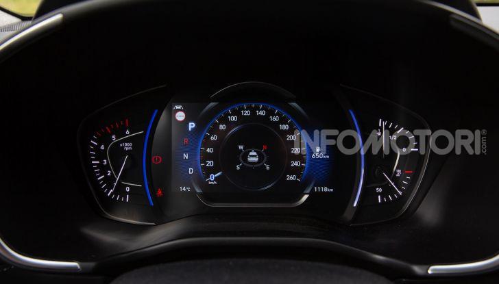 Prova nuova Hyundai Santa Fe 2018: il SUV con 4×4, 7 posti e 200CV - Foto 19 di 24
