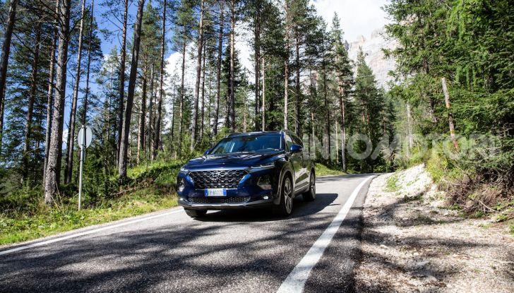 Prova nuova Hyundai Santa Fe 2018: il SUV con 4×4, 7 posti e 200CV - Foto 3 di 24